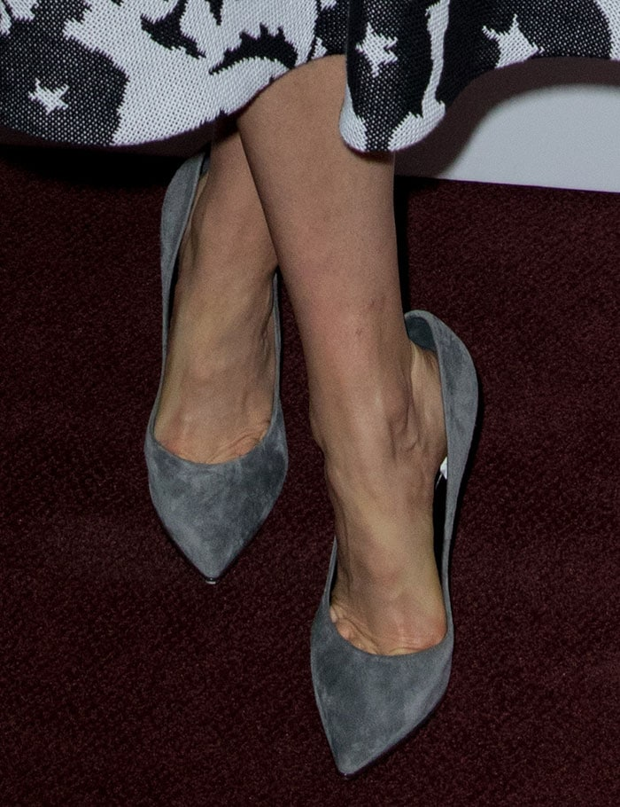 Taylor Schilling shows off her feet in way too big gray pumps