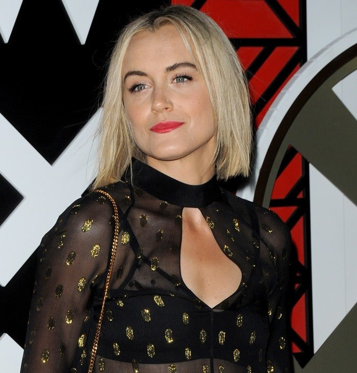 Taylor Schilling's horrendous see-through shirt