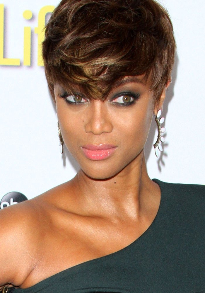 Tyra Banks shows off her statement earrings