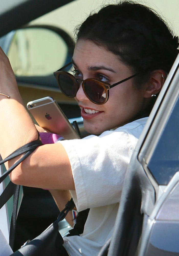 Vanessa Hudgens with pimples on her face visits a dermatologist