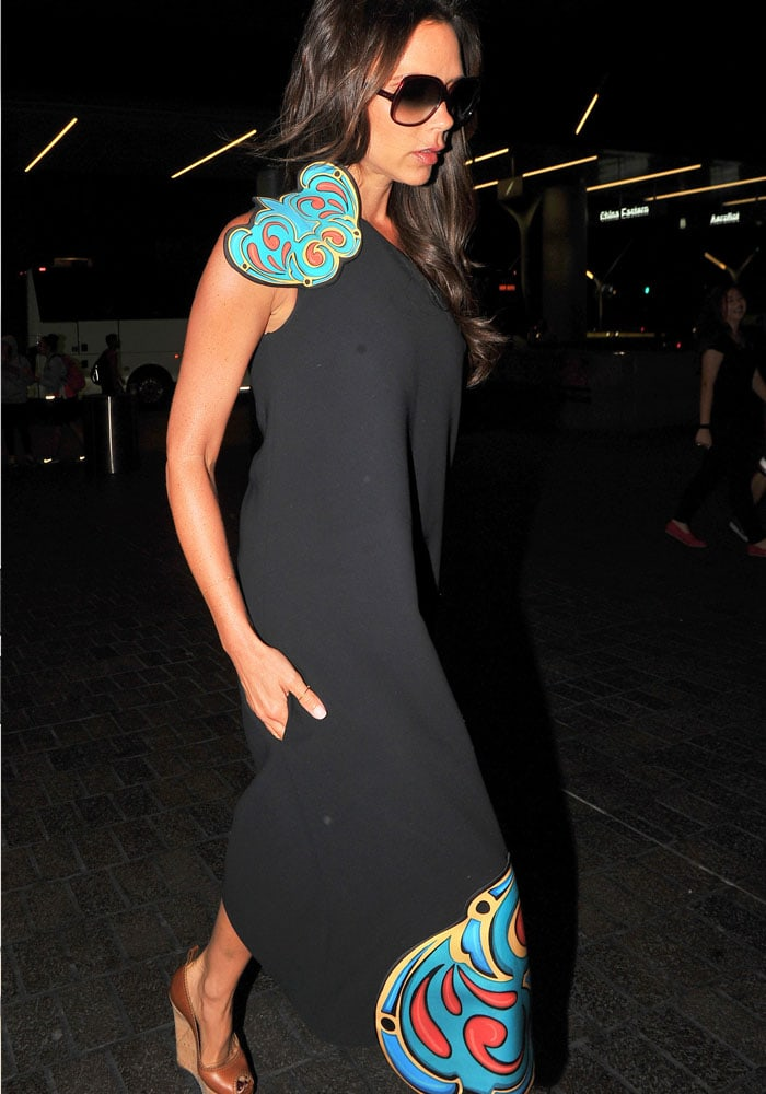 Are those pockets? Victoria Beckham sure knows how to design a dress