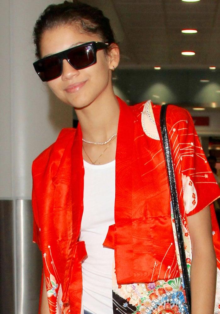 Zendaya wearing extremely large sunglasses