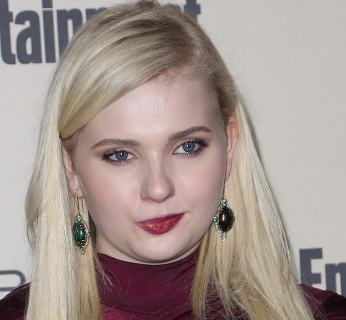 Abigail Breslin wears her blonde hair down at the 2015 Entertainment Weekly Pre-Emmy Party