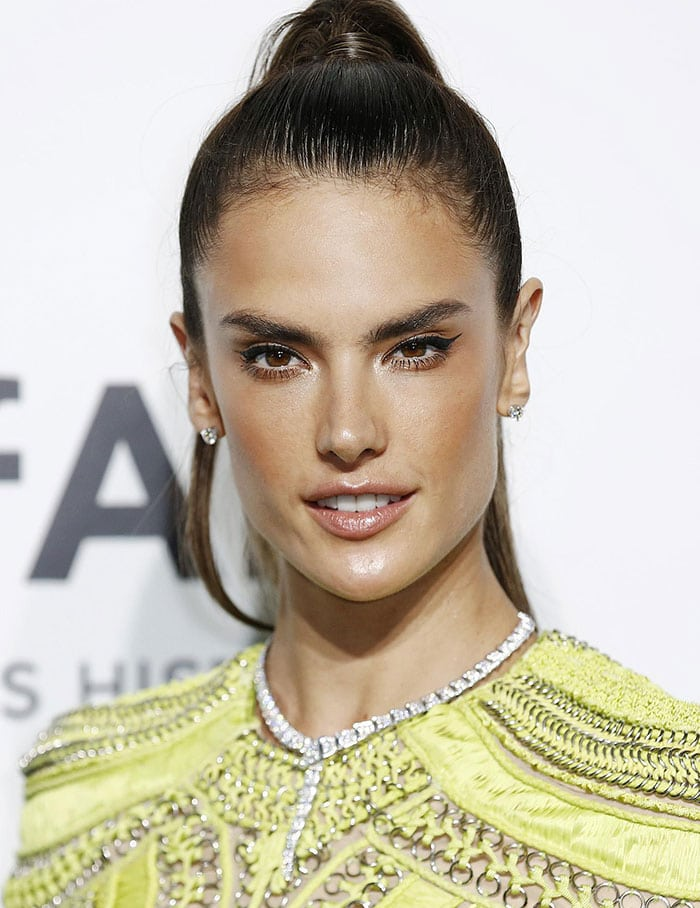 Alessandra Ambrosio Brings Color To The Black Carpet At The 2015