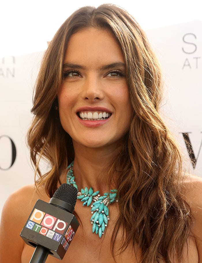 Alessandra Ambrosio wore her brunette hair down in loose beachy waves
