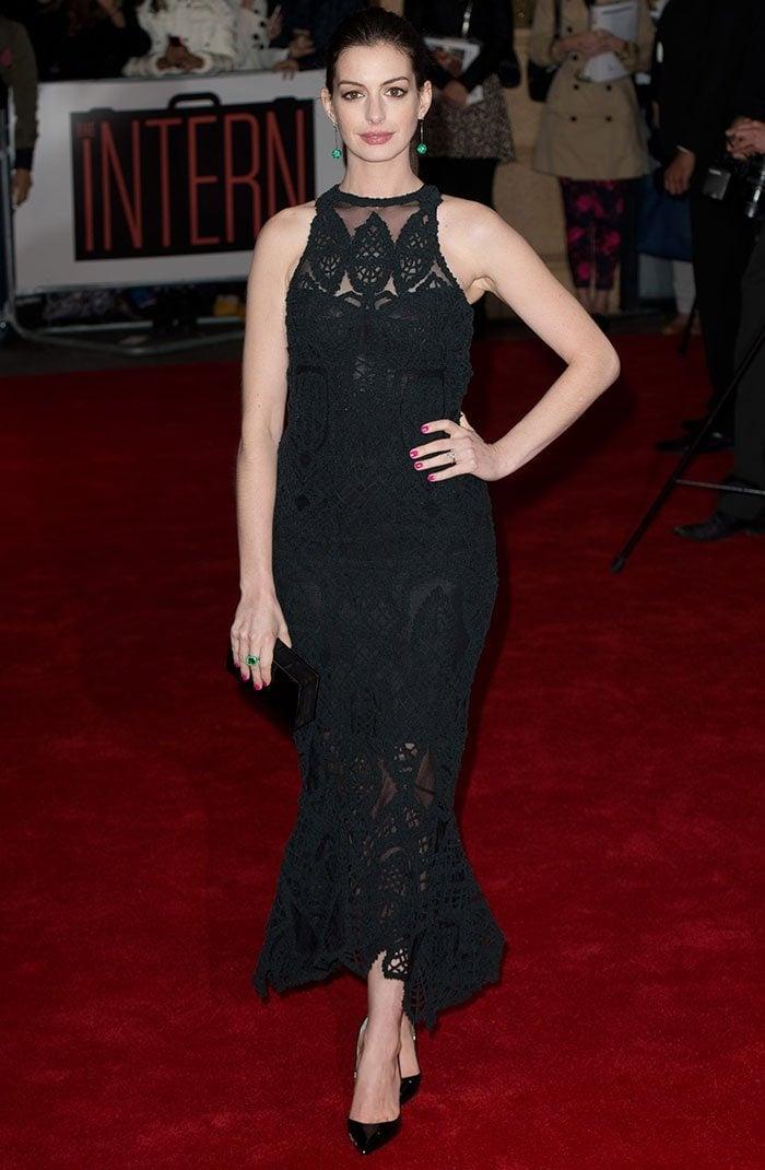 Anne-Hathaway-The-Intern-London-Premiere