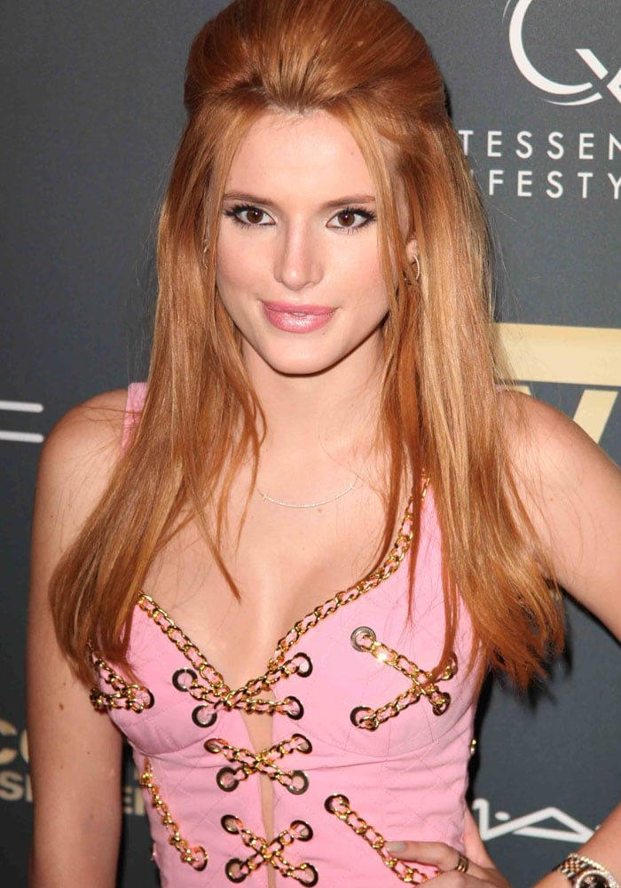 """Bella Thorne poufed her hair for the premiere of """"Jeremy Scott: The People's Designer"""""""