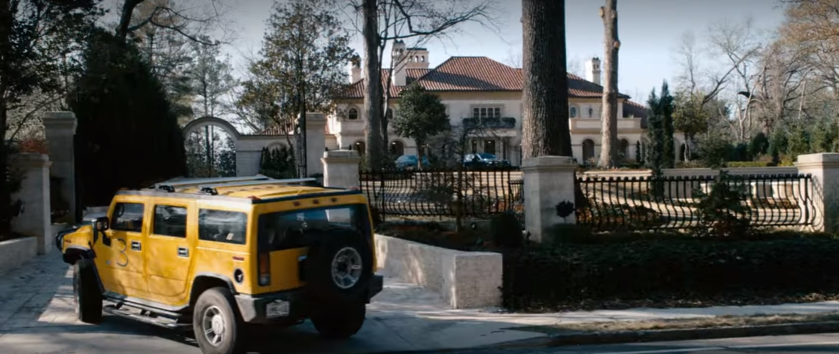 When the group reaches Hollywood, Tallahassee takes them to the mansion of Bill Murray
