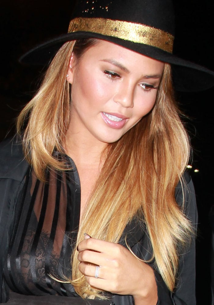 Chrissy Teigen dines at Craig's in West Hollywood on August 31, 2015