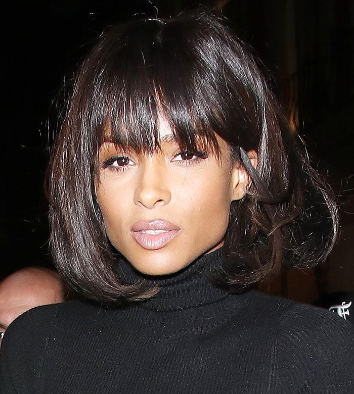Ciara wore her short brunette hair straight, with bangs framing her face