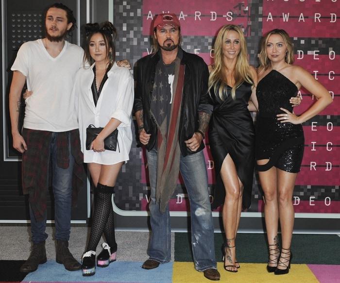Braison Cyrus, Noah Cyrus, Billy Ray Cyrus, Tish Cyrus and Brandi Cyrus attend the 2015 MTV Video Music Awards