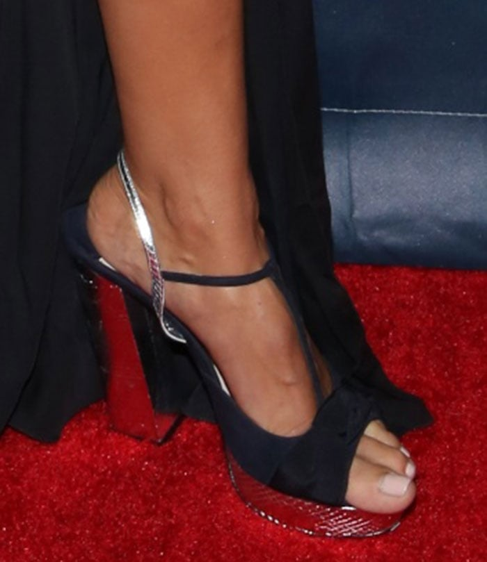 Heidi Klum shows off her sexy toes in Miu Miu sandals