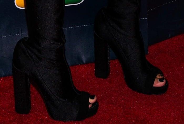 Heidi Klum wearingpeep-toe boots on the red carpet