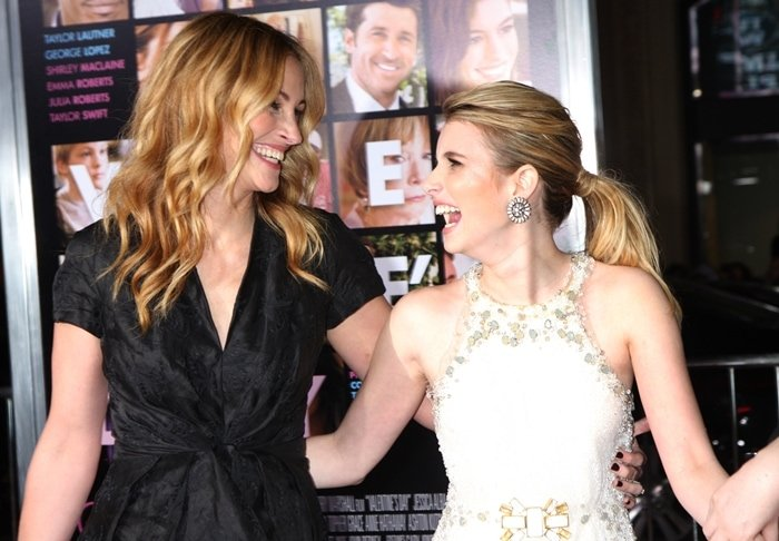 "Actress Julia Roberts and her niece Emma Roberts attend the ""Valentine's Day"" Los Angeles Premiere"