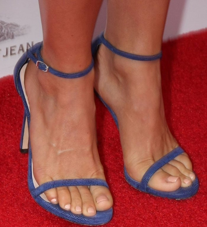 Julianne Hough shows off her feet in blue Stuart Weitzman Nudist sandals