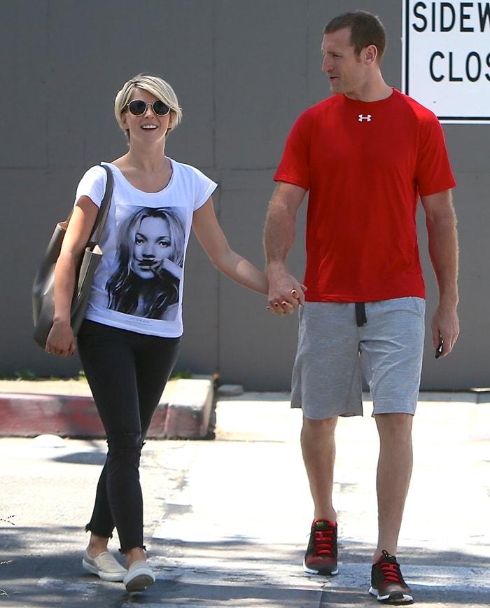 Julianne Hough and her boyfriend Brooks Laich seen walking hand in hand