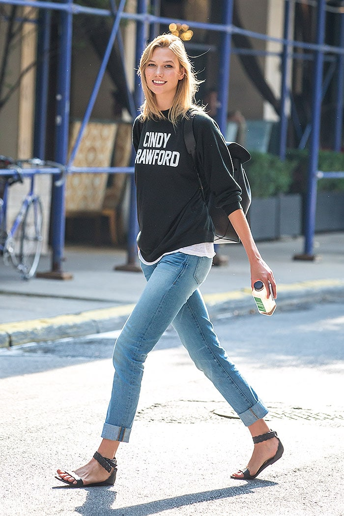 Karlie Kloss pays homage to Cindy Crawford with her sartorial choice