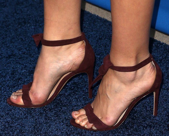 Katharine McPhee finishes off her concert ensemble with a pair of Alexandre Birman sandals