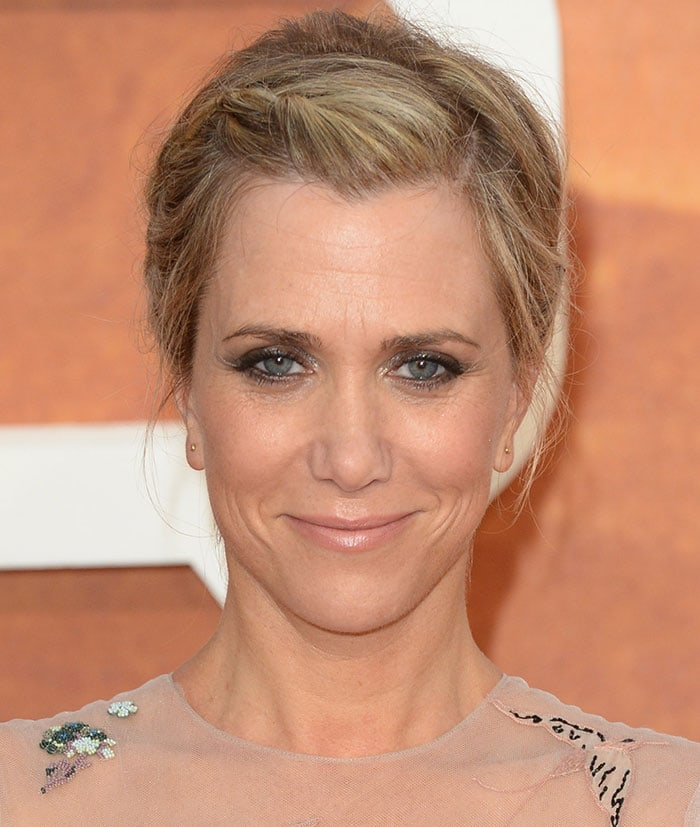 "Kristen Wiig wears her hair in an updo at the European premiere of ""The Martian"""