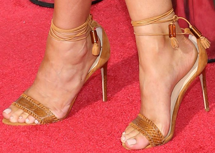 Kylie Jenner's sexy feet in Alexandre Birman sandals on the red carpet