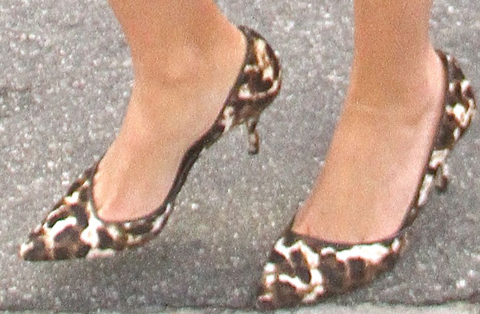 Reese Witherspoon finishes her ensemble with a pair of leopard-print J. Crew heels on her feet