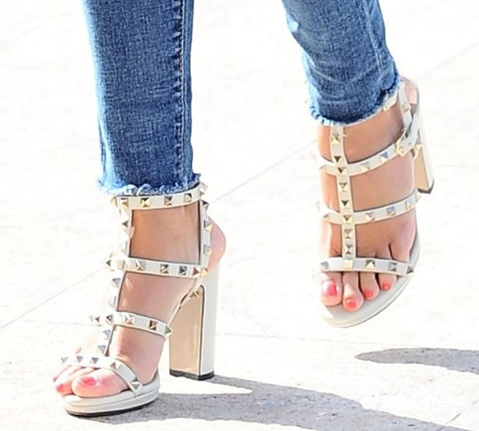 Reese-Witherspoon-Valentino-Rockstud-Sandals-White-1