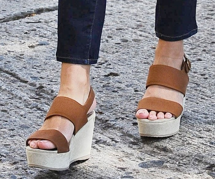 Reese-Witherspoon-brown-suede-wedge-sandals