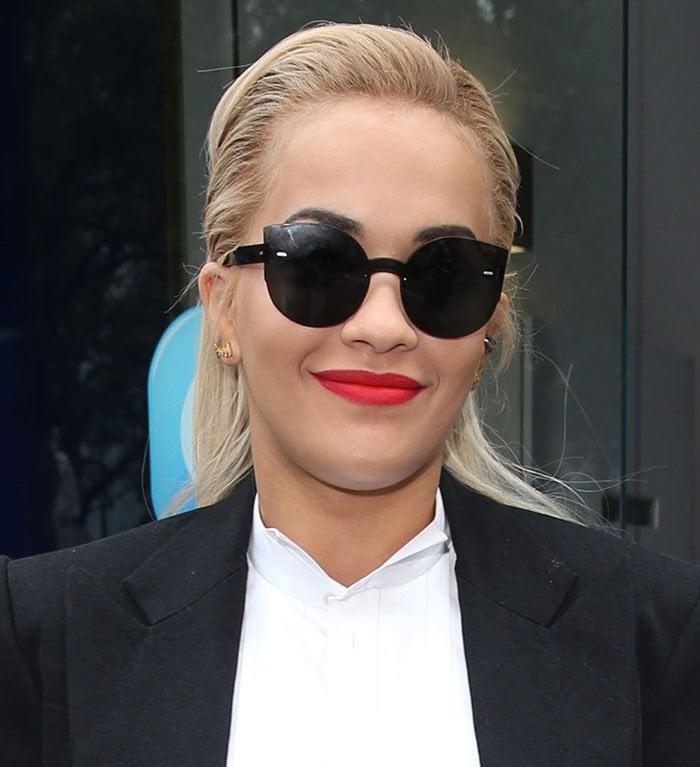 Rita-Ora-visits-Kiss-FM-Studio-hair-makeup
