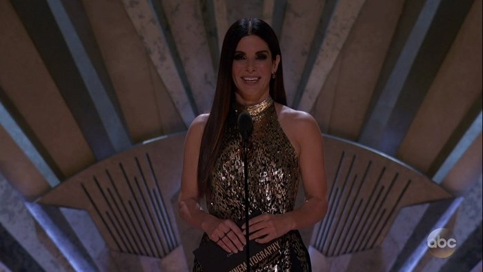 When presenting at the 90th Academy Awards, it looked like Sandra Bullock had discovered the fountain of youth