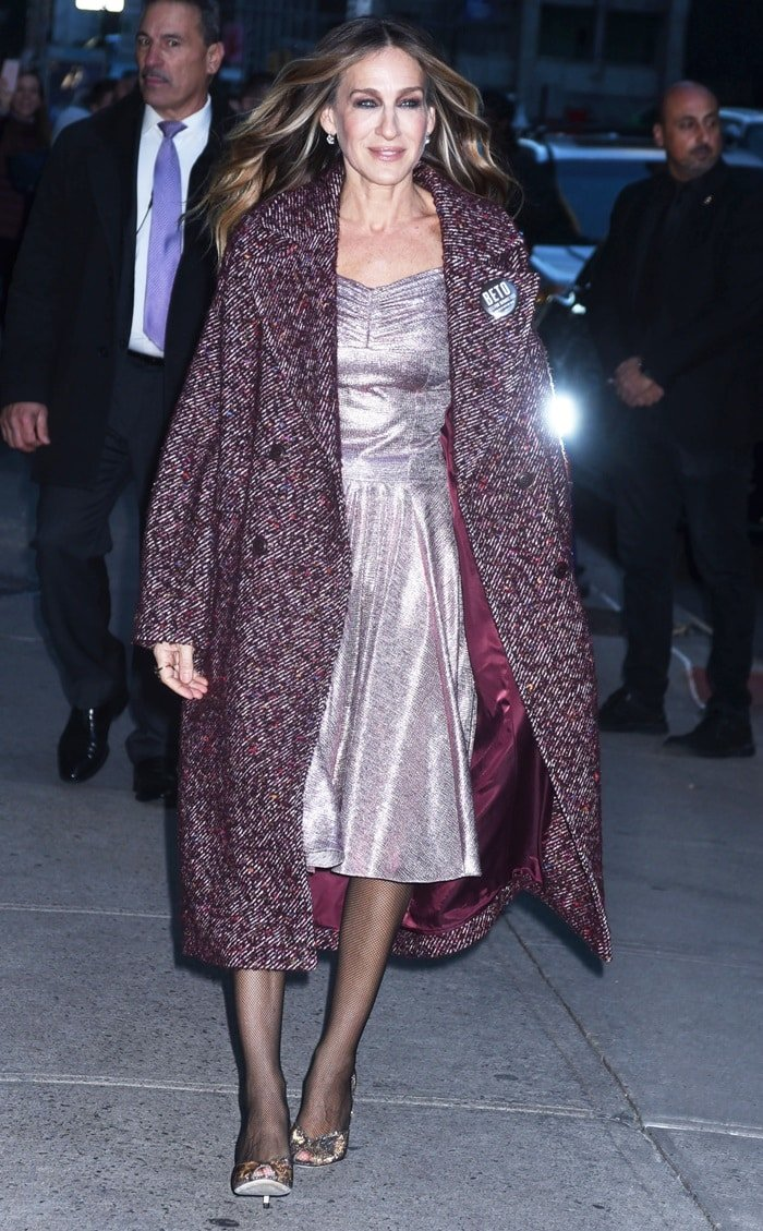01258509b209 Sarah Jessica Parker in a purple Ulla Johnson coat and Wolford