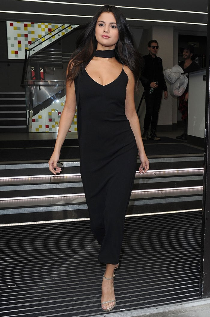 Selena Gomez S Stylish Streak In 3 Different Outfits In London