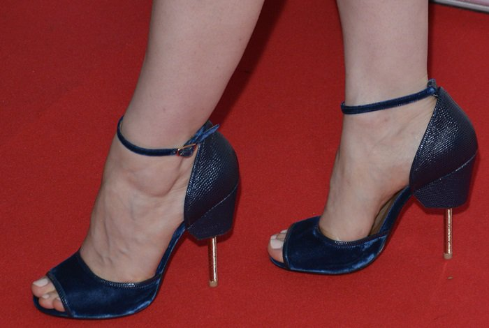 Jessica Chastain completes her red carpet look with a pair of Givenchy heels