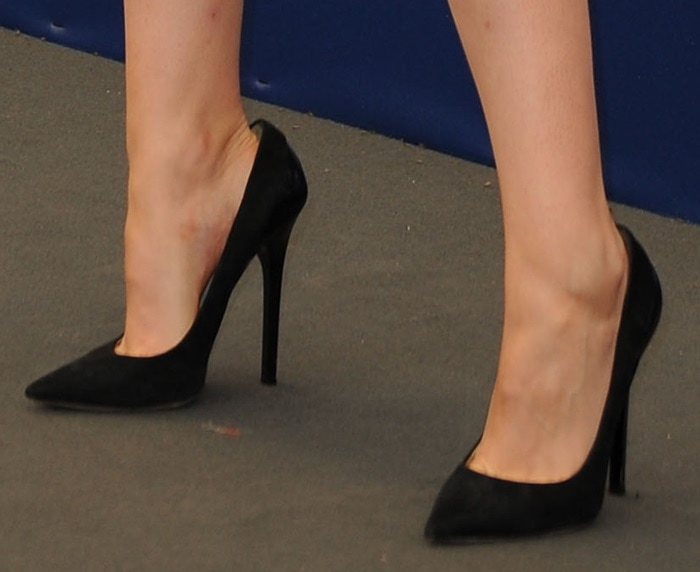 Kristen Stewart wearing black suede Jimmy Choo 'Kayomi' pumps