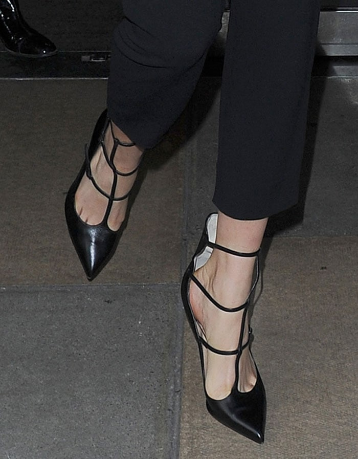 Cara-Delevingne-Christian-Louboutin-Toerless-Muse-Pumps