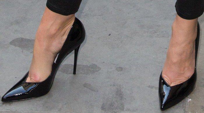 Cindy Crawford arriving at Waterstones
