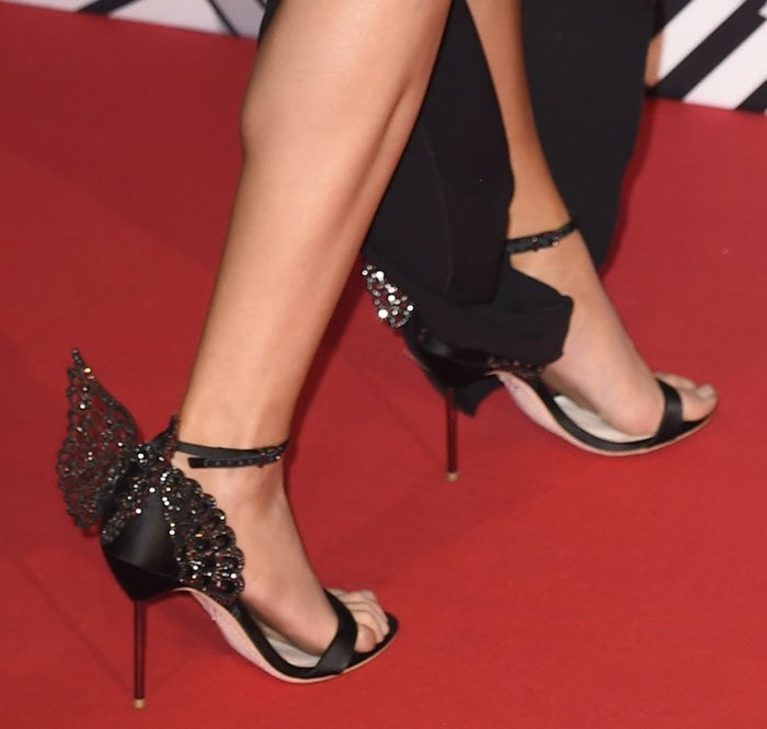 Ellie Goulding shows off her feet in Sophia Webster sandals