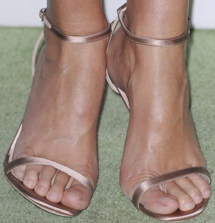 Gwyneth Paltrow wears a pair of Jimmy Choo sandals on her feet