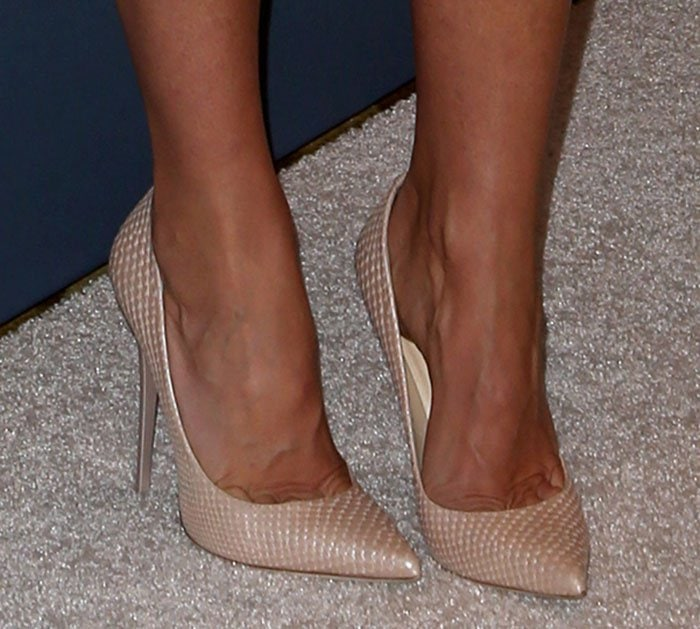 Gwyneth Paltrow's toe cleavage in Jimmy Choo pumps