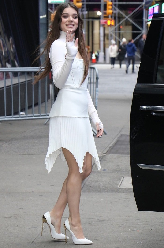Hailee Steinfeld flaunts her long legs after an interview at ABC Studios