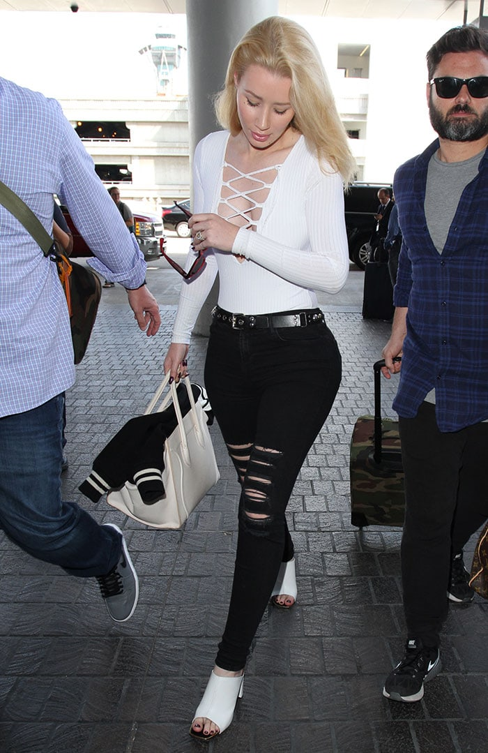 Iggy Azalea arrives at Los Angeles International Airport