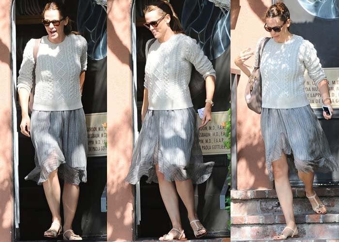 Jennifer Garner wore a wispy skirt with a white sweater