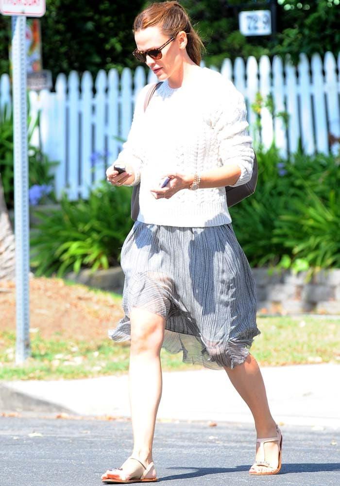 Jennifer Garner leaves counseling in Brentwood on October 4, 2015