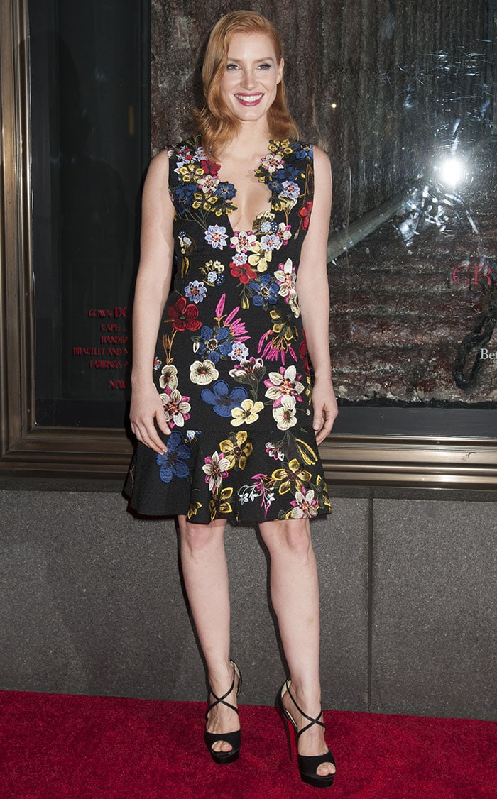 Jessica Chastain skipped the accessories and simply coupled the flirty frock with a pair black sandals