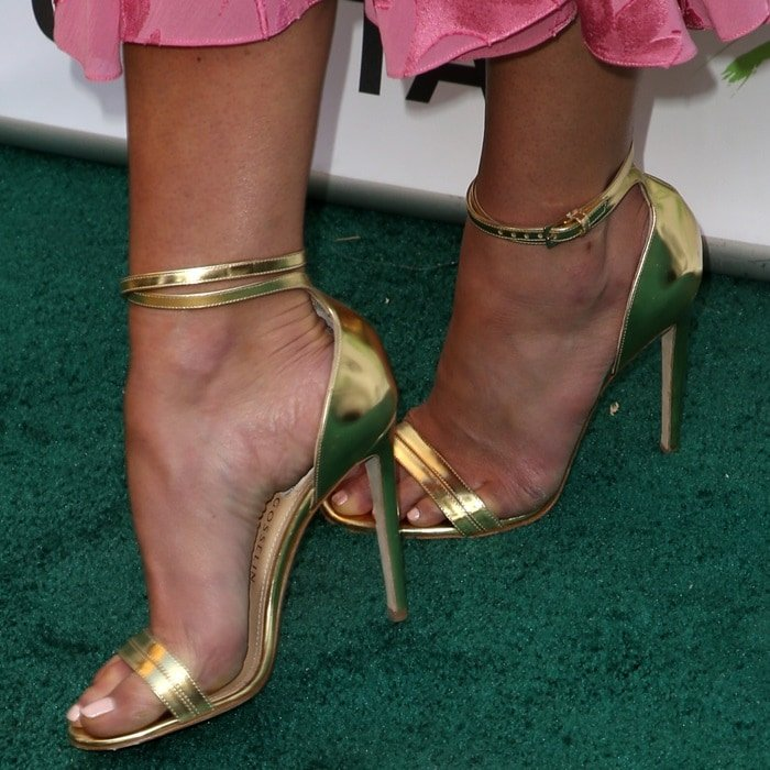 Jordana Brewster's hot feet in gold Chloe Gosselin Narcissus sandals
