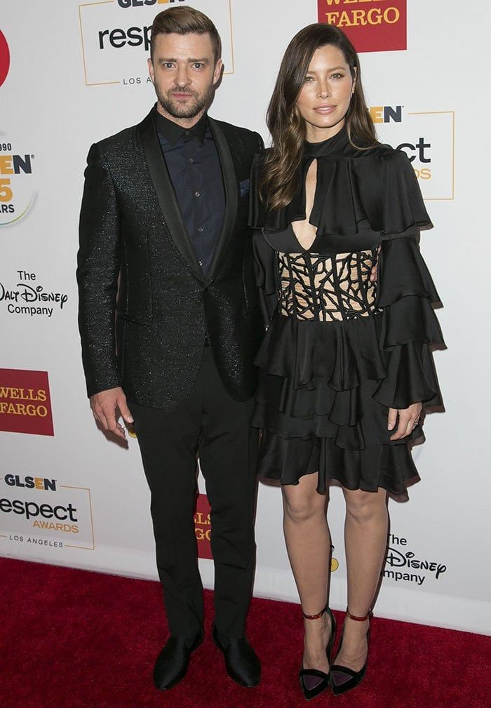 Justin Timberlake and Jessica Biel pose on the red carpet of the 2015 GLSEN Respect Awards