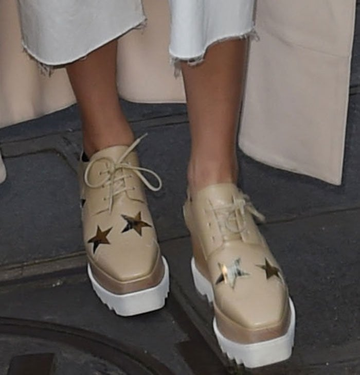 Kendall Jenner shows off her feet in Stella McCartney Elyse platform oxfords