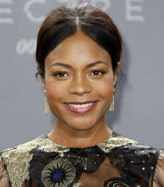 """Naomie Harris wears her hair center-parted at the German premiere of """"Spectre"""""""