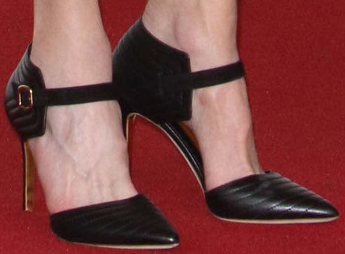 Nicole Kidman wears a pair of Rupert Sanderson pumps on her feet