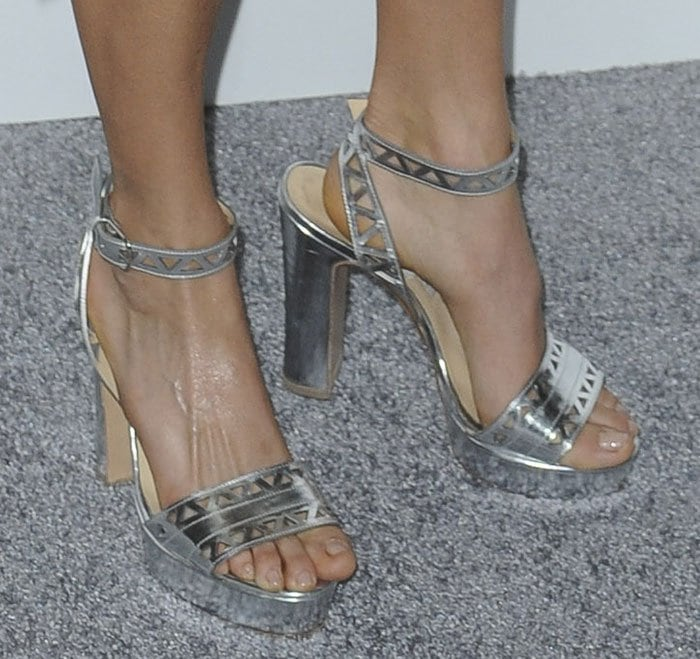 Nikki Reed displayed her pretty toes in Zoe shoes
