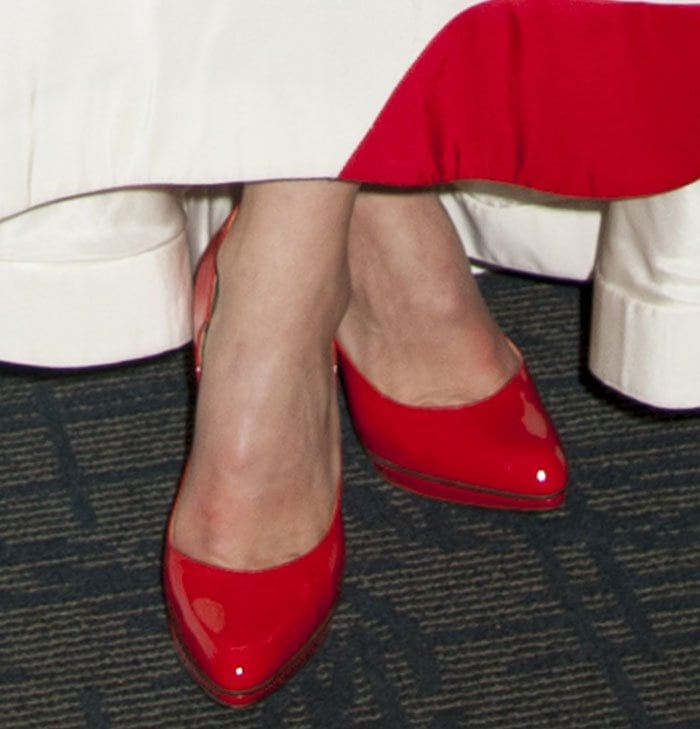 Olivia-Wilde-Paul-Andrew-Manhattan-Red-Pumps